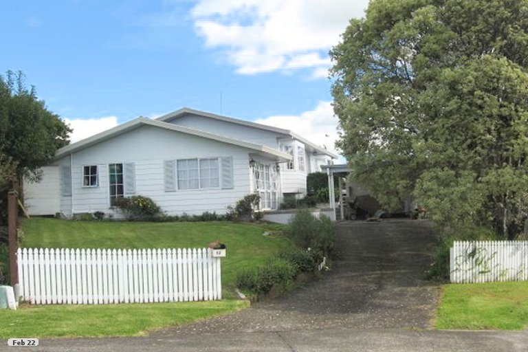 Photo of property in 12 Kingussie Place, Highland Park, Auckland, 2010
