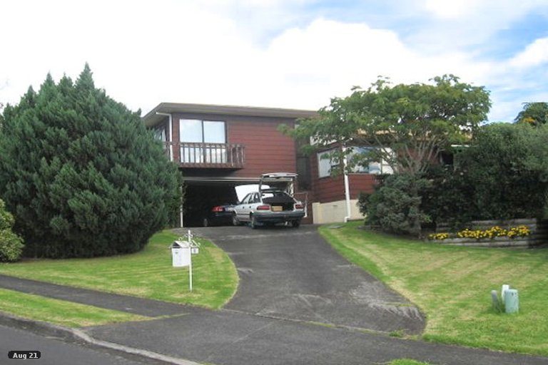 Property photo for 6 Kingussie Place, Highland Park, Auckland, 2010