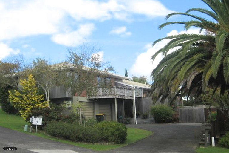 Photo of property in 5 Tromie Place, Highland Park, Auckland, 2010