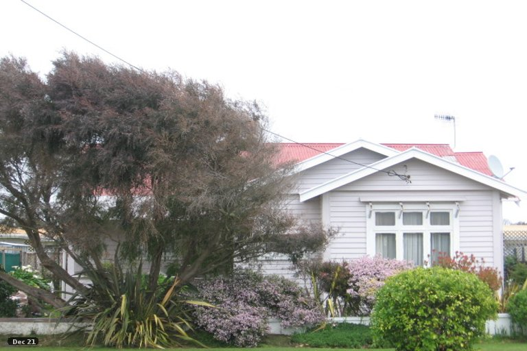 Photo of property in 18 Cook Street, Foxton, 4814