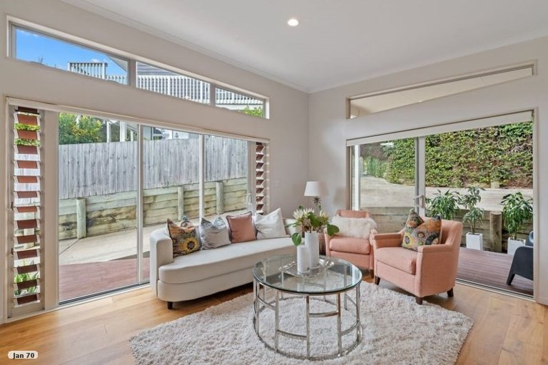 Property photo for 9 Tobago Place, Sunnynook, Auckland, 0620