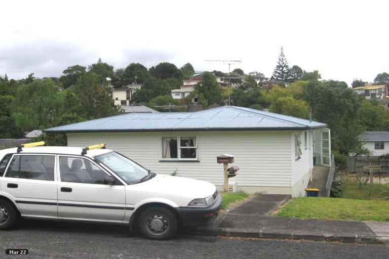 Property photo for 11 Wykeham Place, Glenfield, Auckland, 0629