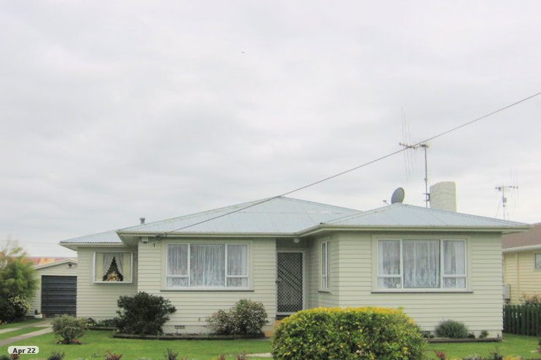 Photo of property in 21 Cook Street, Foxton, 4814
