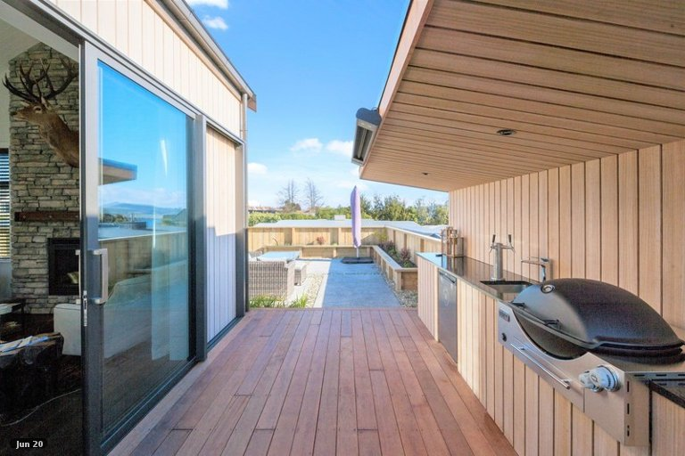 Photo of property in 75A Rokino Road, Hilltop, Taupo, 3330