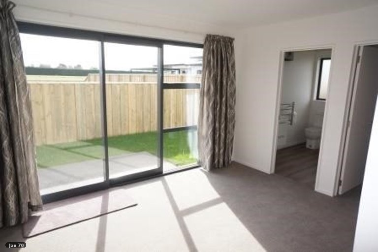 Photo of property in 9 Grey View Grove, Rangiora, 7400