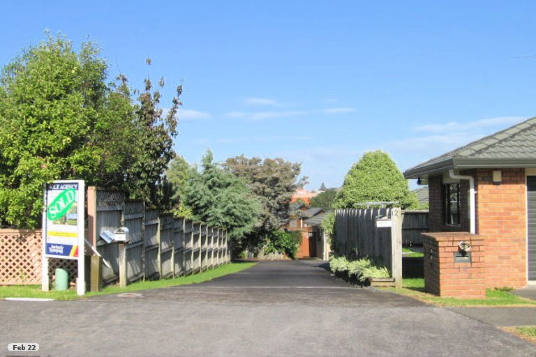 Property photo for 12 Gillett Place, Botany Downs, Auckland, 2014