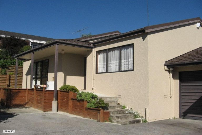 Photo of property in 2/84 Dalwhinnie Parade, Highland Park, Auckland, 2010