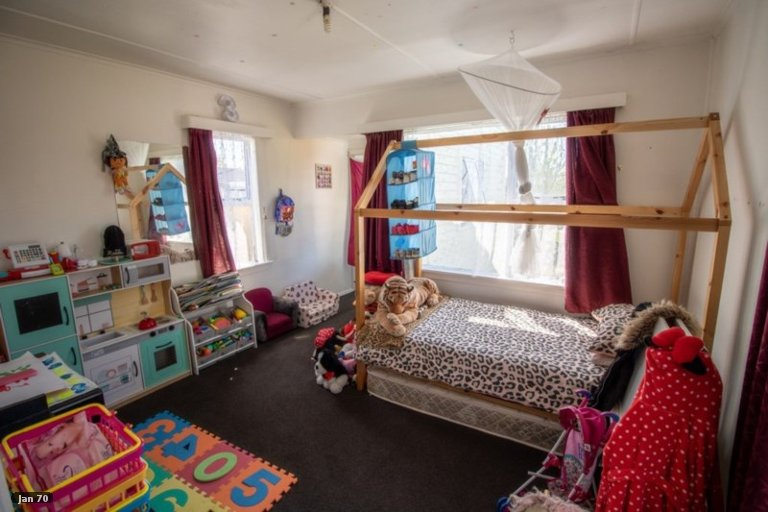 Photo of property in 63 Cook Street, Foxton, 4814