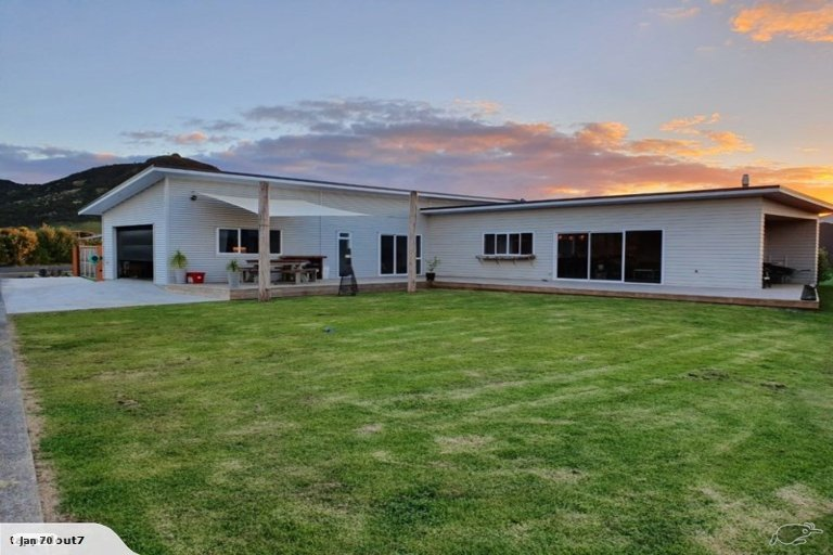 Photo of property in 33 Kokopu Street, Ahipara, Kaitaia, 0481