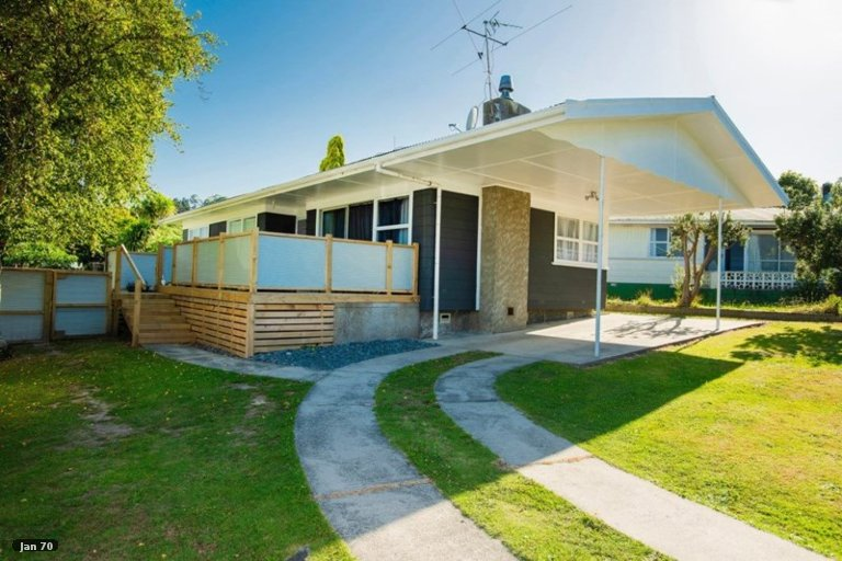 Photo of property in 4 Einstein Street, Outer Kaiti, Gisborne, 4010