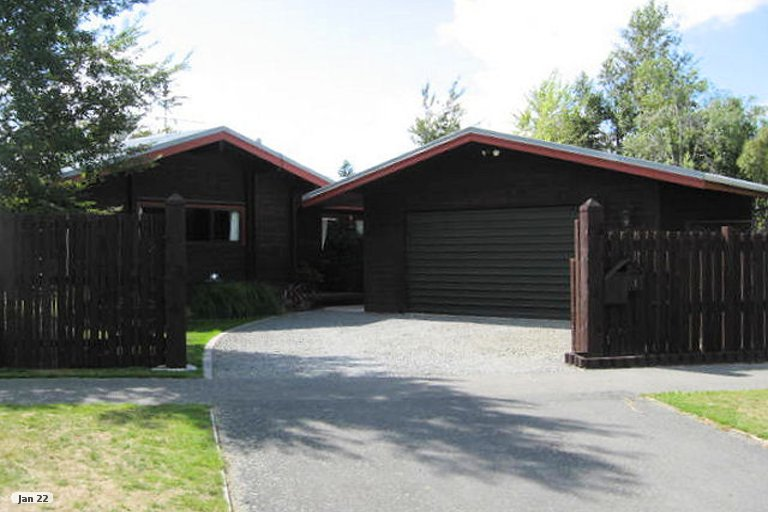 Photo of property in 1 Avoca Place, Darfield, 7510