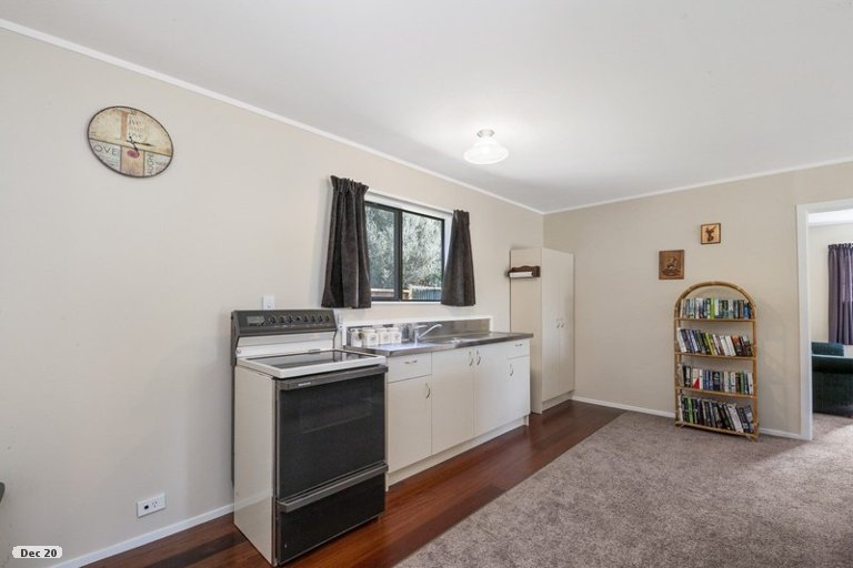 Photo of property in 7 Asher Avenue, Motuoapa, 3382