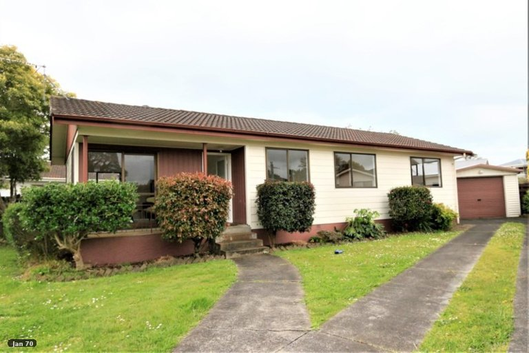 Property photo for 19 Lyren Place, Half Moon Bay, Auckland, 2012