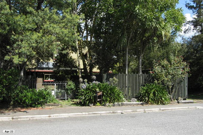 Photo of property in 6 Avoca Place, Darfield, 7510