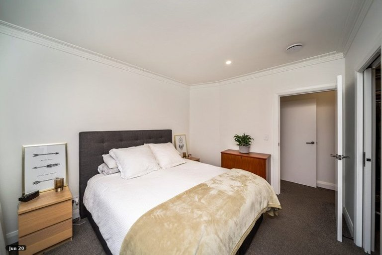 Photo of property in 6 Cracroft Street, Welbourn, New Plymouth, 4310