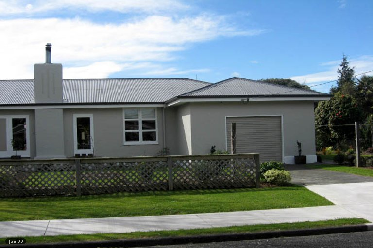 Photo of property in 15 McMaster Street, Greytown, 5712