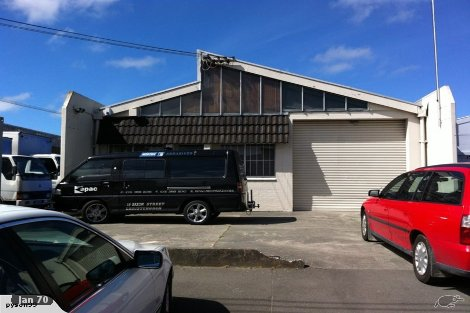 Photo of property in 18 Saxon Street Waterview Auckland - City