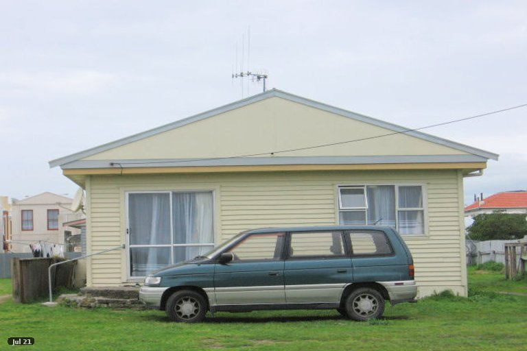 Photo of property in 12 Harbour Street, Foxton, 4814