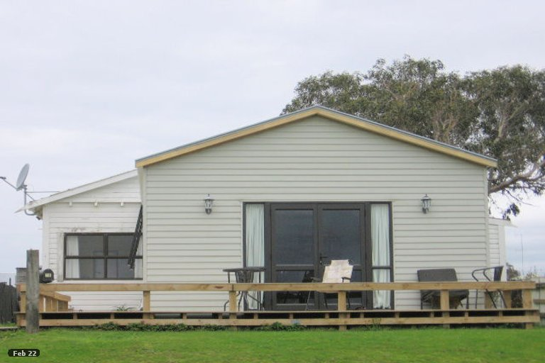 Photo of property in 16 Harbour Street, Foxton, 4814