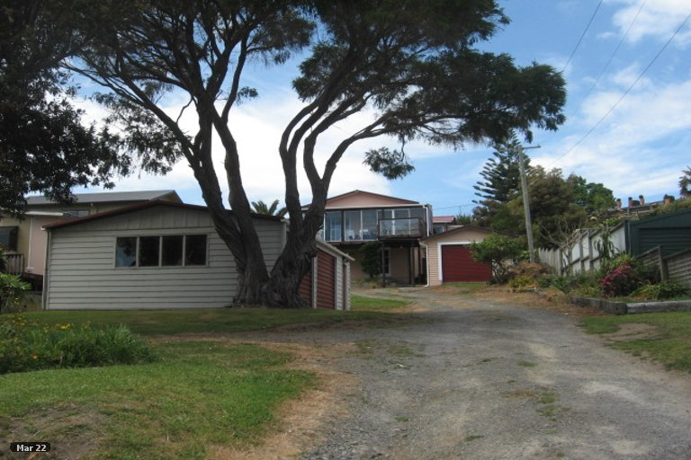 Property photo for 28 Harbour View Road, Tahawai, 3170