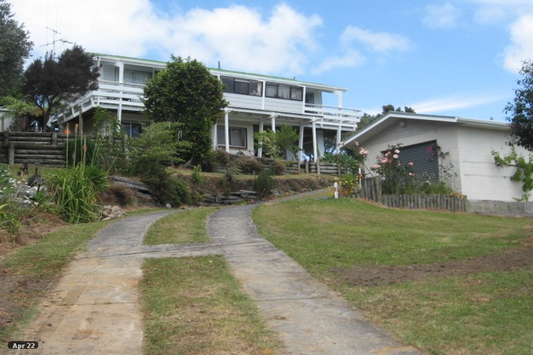 Property photo for 16 Harbour View Road, Tahawai, 3170