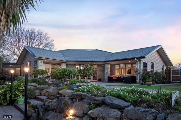 Property photo for 15 Nightingale Place, Papanui, Christchurch, 8053