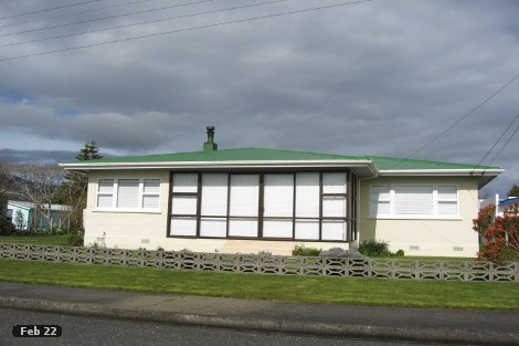 Photo of property in 4 Lake Crescent Takaka Tasman District