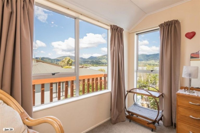 Photo of property in 2/75 Point Road, Monaco, Nelson, 7011