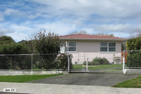 Photo of property in 12 Lake Crescent Takaka Tasman District