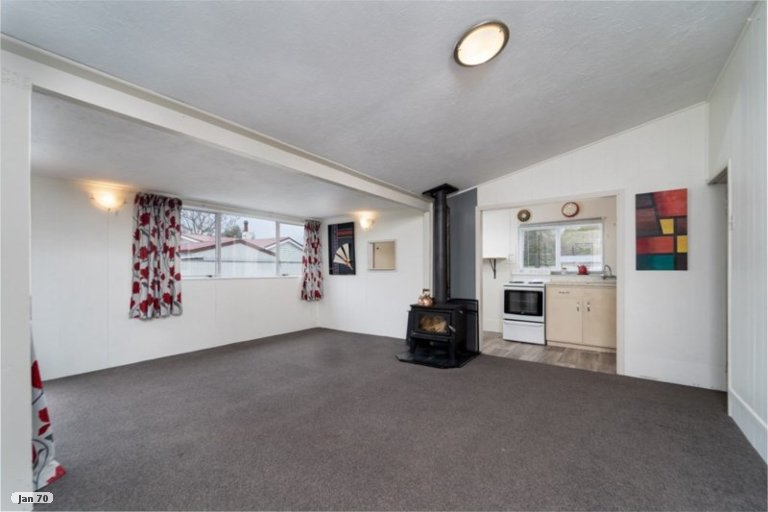 Photo of property in 1 Kempton Street, Greytown, 5712