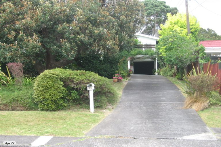 Property photo for 33 Sunnyfield Crescent, Glenfield, Auckland, 0629