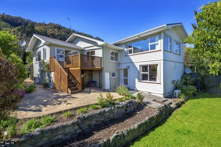 Photo of property in 62 Campbell Street, Nelson South, Nelson, 7010