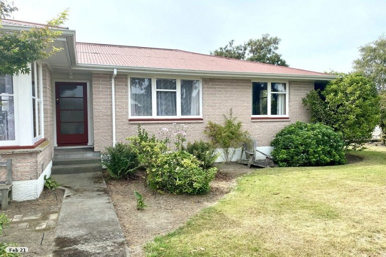 Photo of property in 18 North Terrace, Darfield, 7510