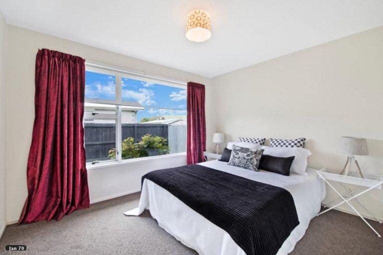 Property photo for 2/11 Peckham Lane, Woolston, Christchurch, 8062