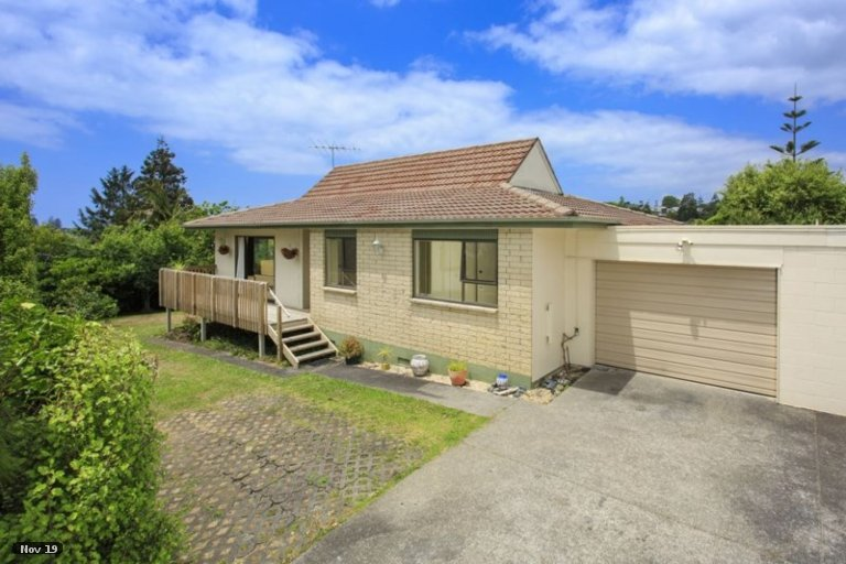 Property photo for 2/6 Charmaine Road, Torbay, Auckland, 0630