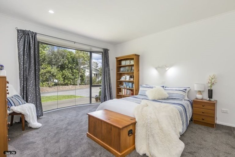 Property photo for 19 Ngarahana Avenue, Paremoremo, Auckland, 0632