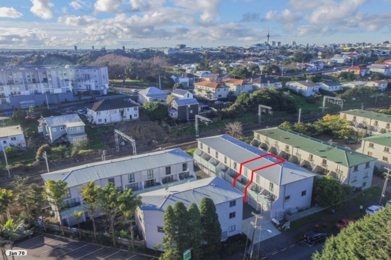 Property photo for 17/29 Rossmay Terrace, Mount Eden, Auckland, 1024
