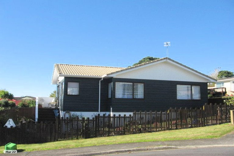 Property photo for 4 Clunie Place, Highland Park, Auckland, 2010