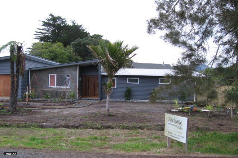 Photo of property in 3 Point Wells Road, Point Wells, 0986