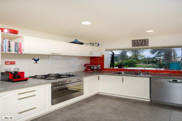 Property photo for 30 San Bernadino Drive, Henderson, Auckland, 0612