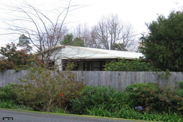 Photo of property in 27 Point Wells Road, Point Wells, 0986
