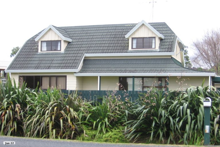 Photo of property in 29 Point Wells Road, Point Wells, 0986