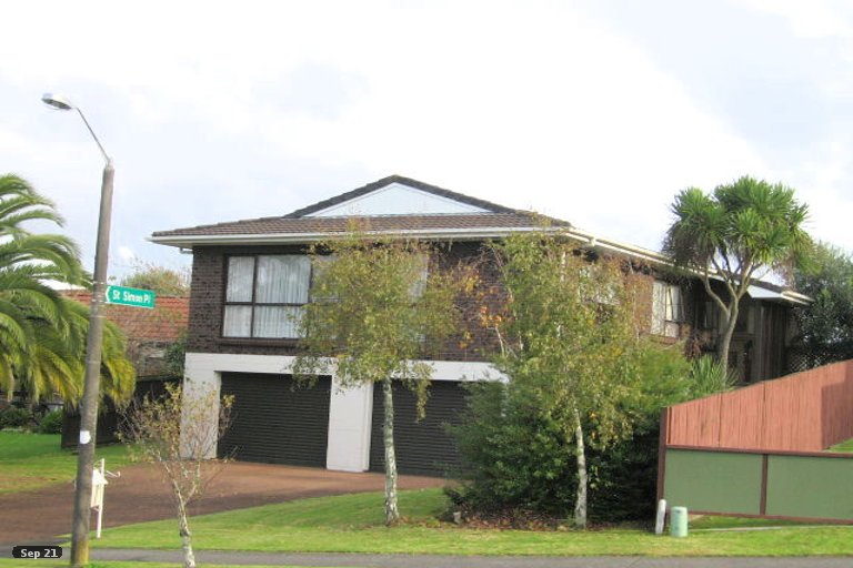 Property photo for 22 Lexington Drive, Botany Downs, Auckland, 2010