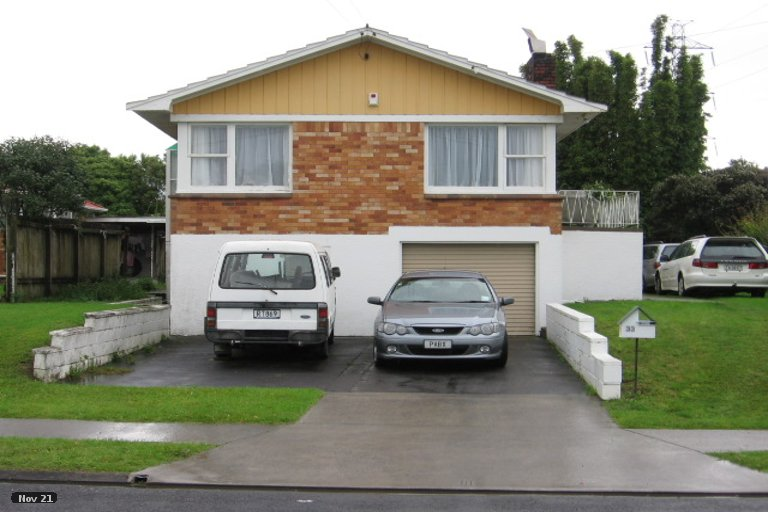 Property photo for 33 Aurea Avenue, Pakuranga, Auckland, 2010