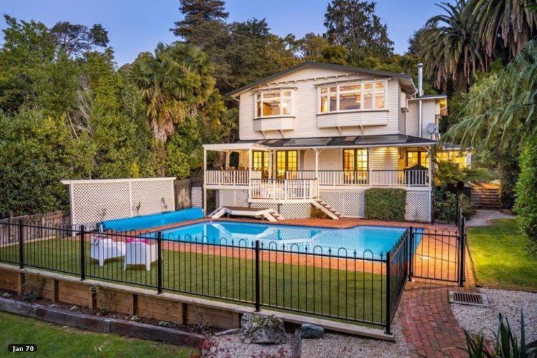 Photo of property in 23 Brougham Street, Nelson South, Nelson, 7010