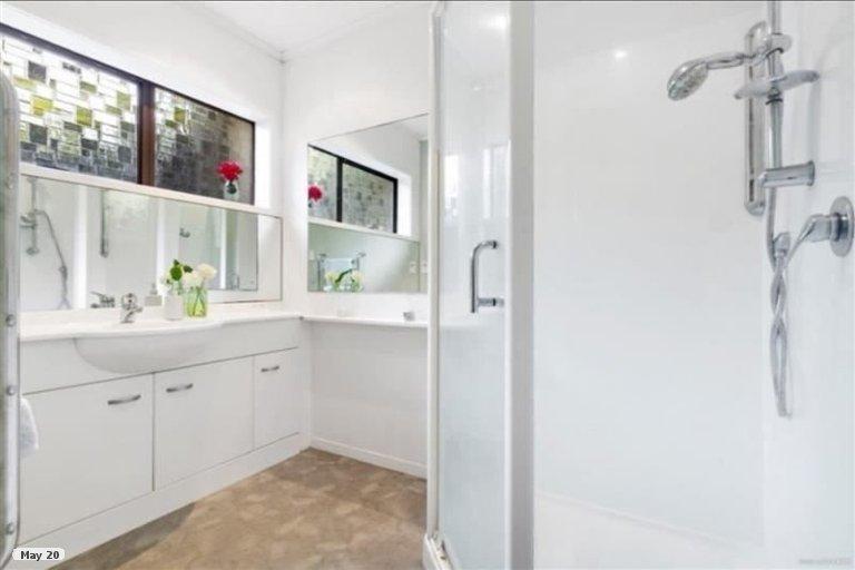 Property photo for 2/36 Pakira Avenue, Glendene, Auckland, 0602