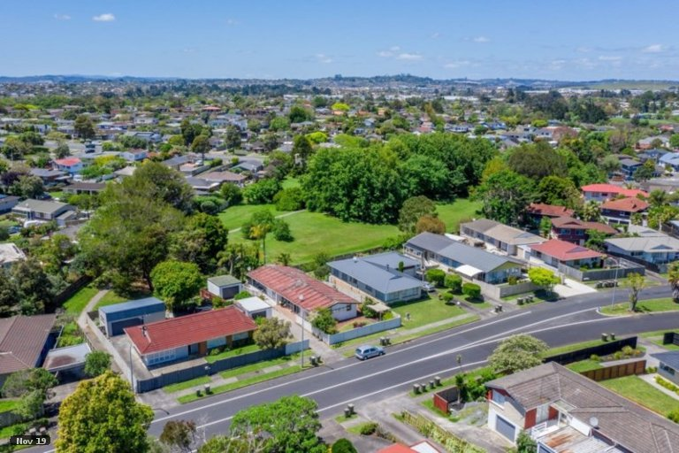 Property photo for 1/57 Meadway, Sunnyhills, Auckland, 2010