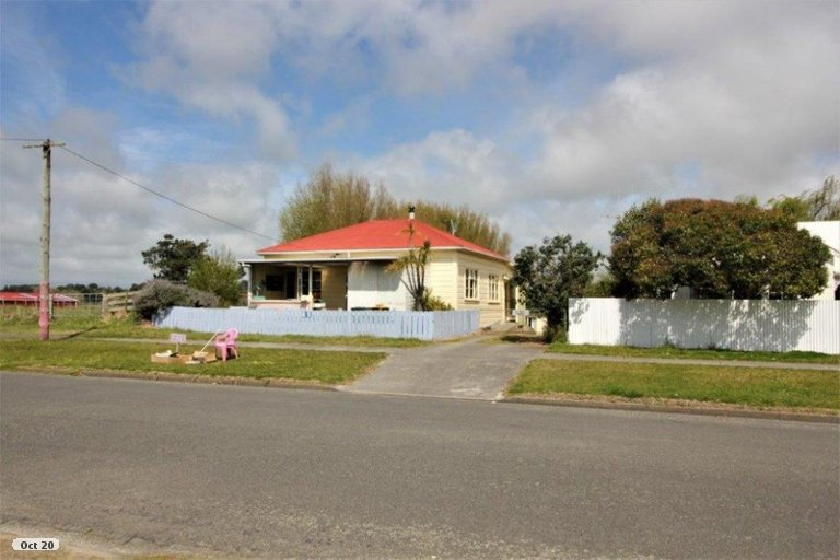 Photo of property in 88 Avenue Road, Foxton, 4814