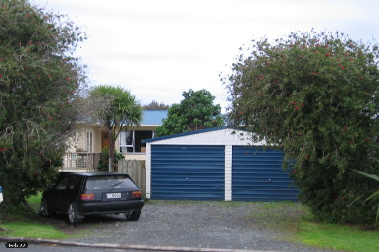 Photo of property in 50 Point Wells Road, Point Wells, 0986