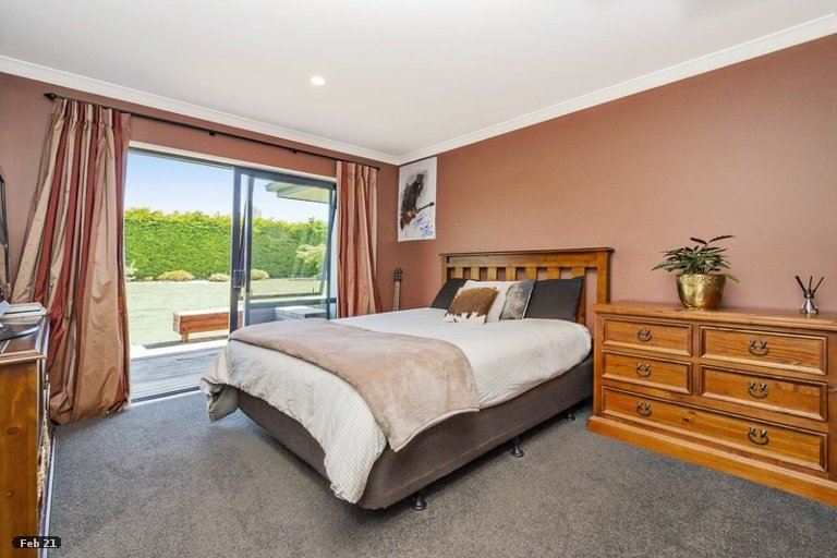 Photo of property in 24 Churchlea Place, Darfield, 7510